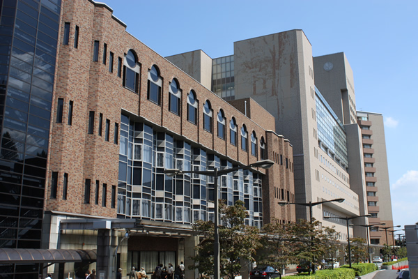 東京大学医学部付属病院 外来棟